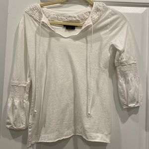 BCBGMAXAZRIA 3/4 sleeve soft tee blouse ruffle